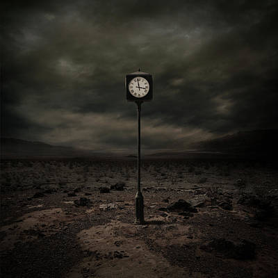 Clock Wall Art - Digital Art - Out Of Time by Zoltan Toth