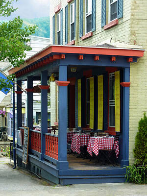 Businesses Photograph - Outdoor Cafe With Checkered Tablecloths by Susan Savad