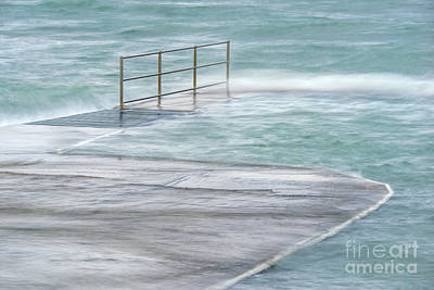 Grate Photograph - Overflow Wave by Richard Thomas