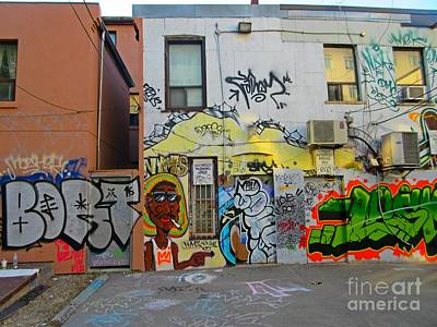 Streetscape Mixed Media - Owning The Alley by John Malone