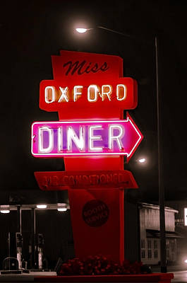 Photograph - Oxford Diner by Susan Maxwell Schmidt