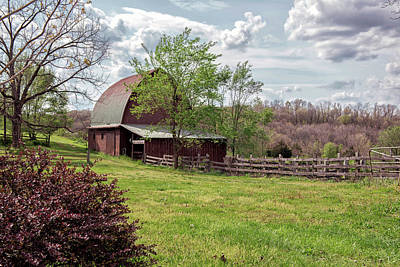 Photograph - Ozarks Barn by Linda Shannon Morgan
