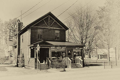 Photograph - Ozzie's - Old Forge New York by David Patterson