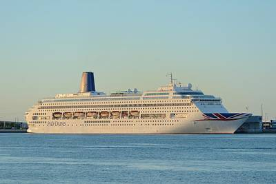 Photograph - P And O Oriana Cruise Ship by Bradford Martin