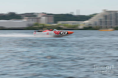 Photograph - P1 Powerboats 5 by Steve Purnell