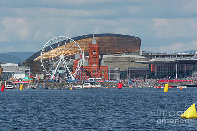 Photograph - P1 Powerboats At Cardiff Bay by Steve Purnell
