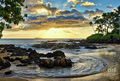 Photograph - Pa'ako Cove by Eddie Yerkish