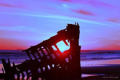 Peter Iredale Photograph - Pacific Glow by Steve Warnstaff