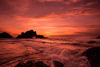 Photograph - Pacific Sunset. by David Hare