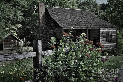 Photograph - Painted Old Thyme Cottage by Skip Willits