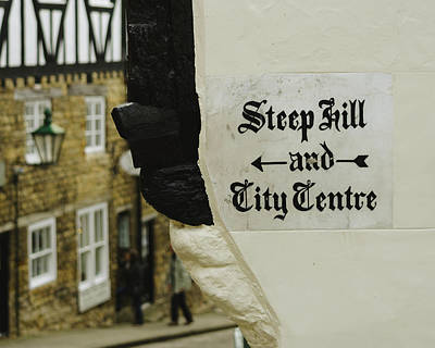Photograph - Painted Sign Directing Pedestrians To Steep Hill And The City Centre by Jacek Wojnarowski