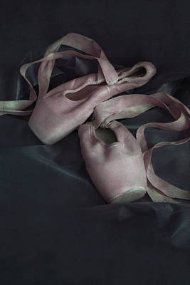 Photograph - Pair Of Pastel Pink Ballet Shoes by Jaroslaw Blaminsky