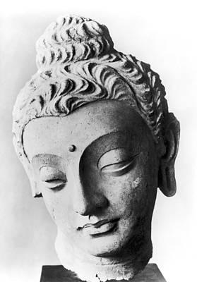 Photograph - Pakistan: Buddha by Granger