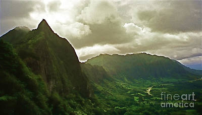 Photograph - Pali Lookout by Louise Fahy