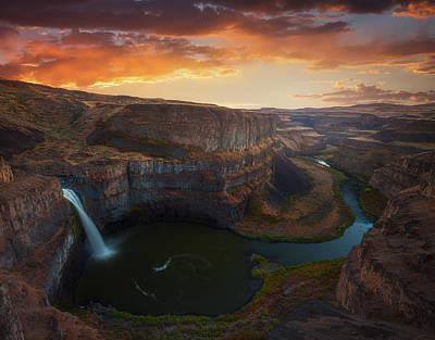 Photograph - Palouse Falls Washington by Darren White