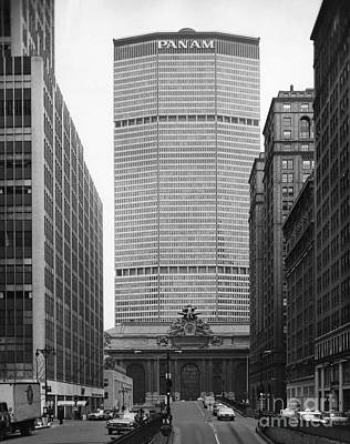Photograph - Pan Am Building by Granger