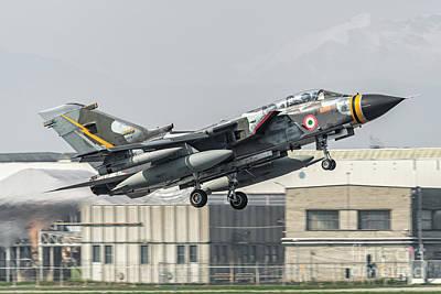 Panavia Tornado Mm7079 Departure Art Print by Roberto Chiartano