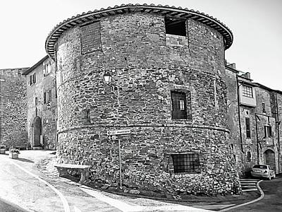 Photograph - Panicale Town Walls by Dorothy Berry-Lound