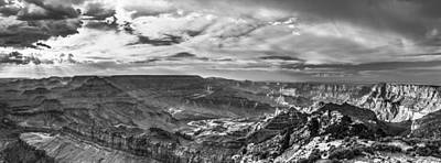 Photograph - Panoramic Of The Grand Canyon by John McGraw