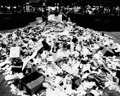 Rs2wn Photograph - Paper Refuse After Heavy Trading by Everett