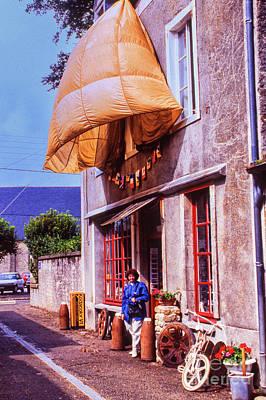Photograph - Parachute Hotel by Rick Bragan