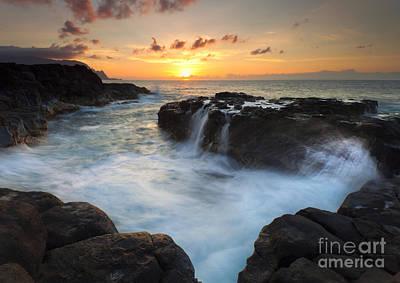 Seascape Photograph - Paradise Sunset Splash by Mike Dawson