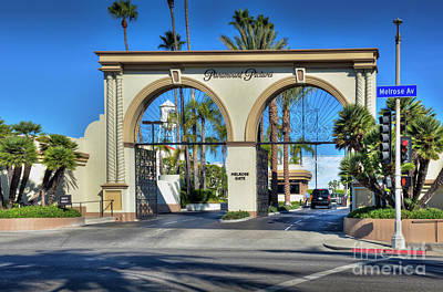 Photograph - Paramount Pictures Melrose Gate by David Zanzinger