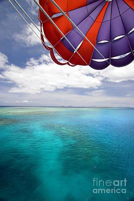 Parasail Over Fiji Art Print