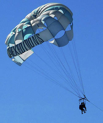 Photograph - Parasailing 2 by Ron Kandt