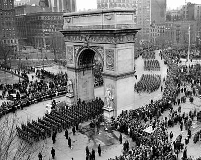 Washington Square Park Photograph - Paratroopers Of The 82nd Airborne by Everett