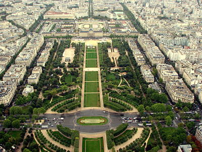 Photograph - Parc From Eiffel by T Guy Spencer