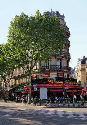 Photograph - Paris Cafe Scene by Gordon Beck