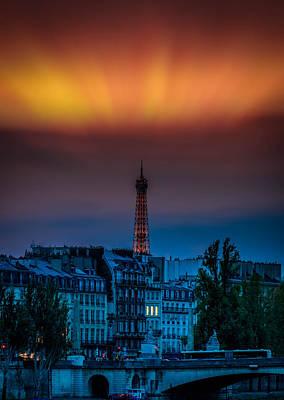 Dernier Photograph - Paris  by Felixfelix Photo