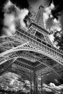 Photograph - Paris France Eiffel Tower Bnw 7k_dsc1999_09102017 by Greg Kluempers