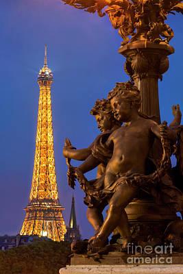 Photograph - Paris Lamppost And Eiffel by Brian Jannsen