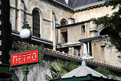 Photograph - Paris Metro Sign 1 by Andrew Fare