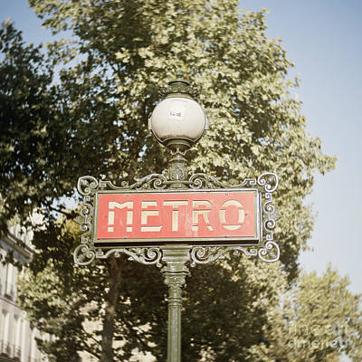 Metro Art Photograph - Paris Metro Sign 1 by Ivy Ho