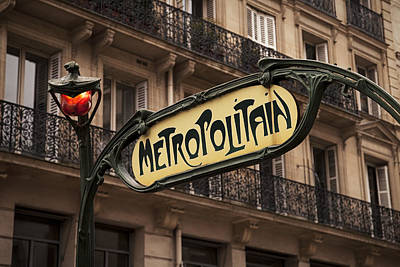 Subway Art Photograph - Paris Metro Sign by Andrew Soundarajan