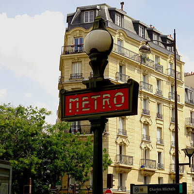 Painting - Paris Metro Sign by Gary Grayson