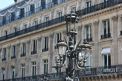 Photograph - Paris Street Light by Wilko Van de Kamp