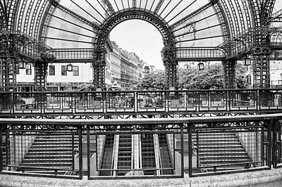 Photograph - Paris Subway Station by Dave Beckerman