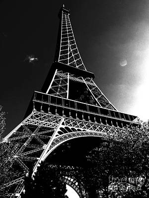 Red Roses - Parisienne - Eiffel Tower by Mioara Andritoiu