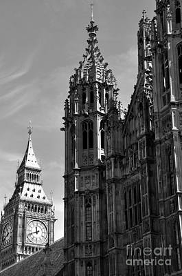 Photograph - Parliament by Andrew Dinh