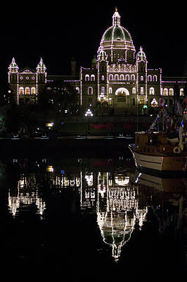 Photograph - British Columbia Parliament Buildings by Marilyn Wilson