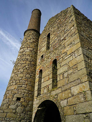 Photograph - Pascoes Shaft Pumping Engine House  by Richard Brookes