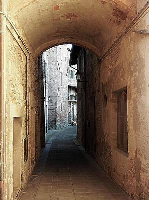 Photograph - Passageway Low Colour Panicale Umbria by Dorothy Berry-Lound
