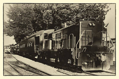 Photograph - Passenger Train by David Patterson