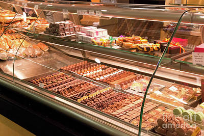 Photograph - Patisserie by Roger Lighterness