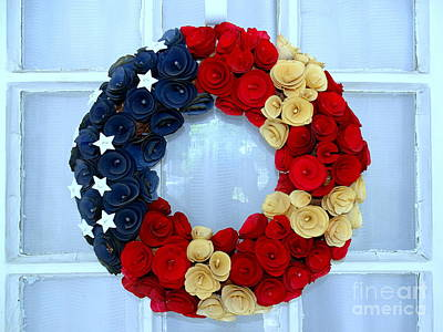 Photograph - Patriotic Wreath by Ed Weidman