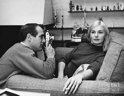 Photograph - Paul Newman And Joanne Woodward by Louis Goldman